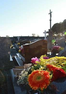 Cimetière : Le funéraire sur la commune de Quessoy couverture2img3704