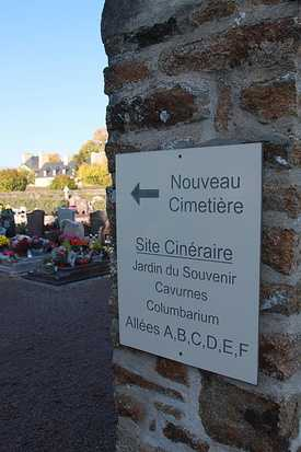 Cimetière : Le funéraire sur la commune de Quessoy img3661