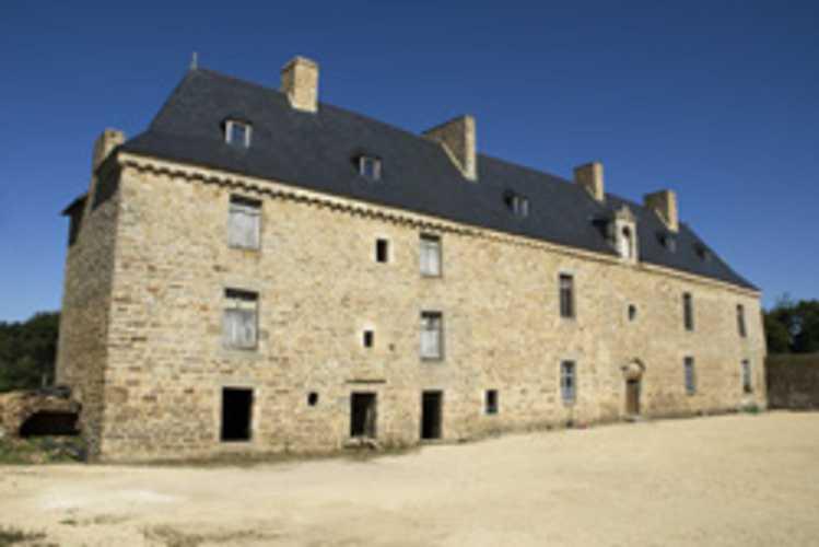 Le château de la Roche Rousse (Propriété privée) 0
